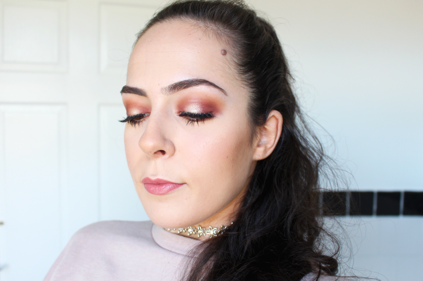 AN EASY GUIDE TO HALO EYE MAKEUP